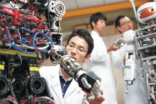 Tổng hợp những đơn hàng hot đi Xuất khẩu lao động Nhật Bản ngành cơ khí năm 2017