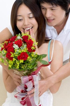 Học theo cách trai Nhật lấy lòng phụ nữ trong ngày 8-3