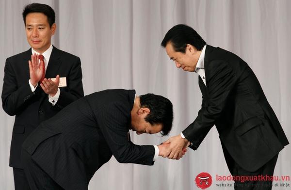Tìm hiểu nghi thức cúi chào Ojigi của người Nhật Bản