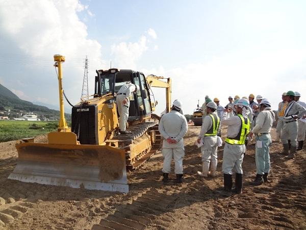 Đơn hàng điều khiển máy đầm cần tuyển 14 Nam làm việc tại Okayama Nhật Bản