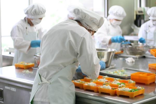Ưu đãi đặc biệt dành cho lao động Nữ tham gia đơn hàng chế biến thực phẩm
