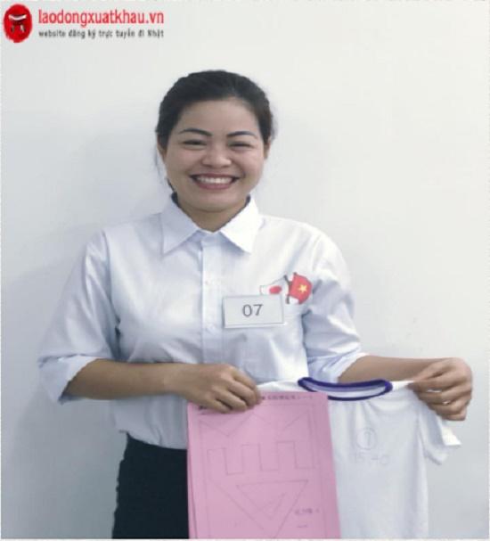 Thi tuyển đơn hàng may mặc cho nữ độ tuổi từ 18 - 36