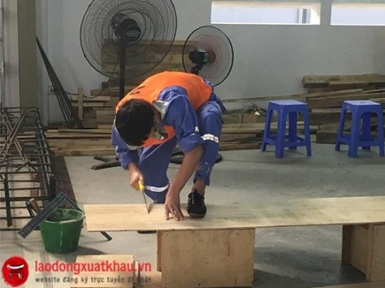 Toàn cảnh thi tuyển đơn hàng mộc nội thất tại Việt HR