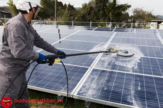 Tuyển 12 Nam lắp đặt pin mặt trời tại Fukui lương 34 triệu/tháng