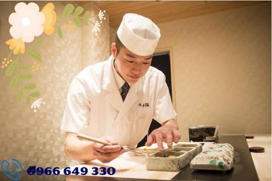 Tuyển 27 nam làm chế biến sushi tại Osaka Nhật Bản lương 32 triệu/tháng